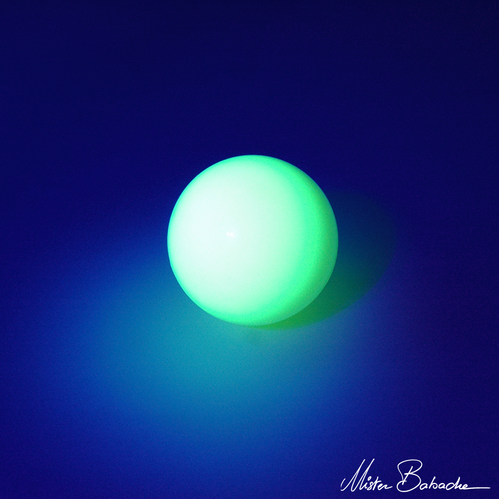 Stage ball - 100 mm - glow in the dark