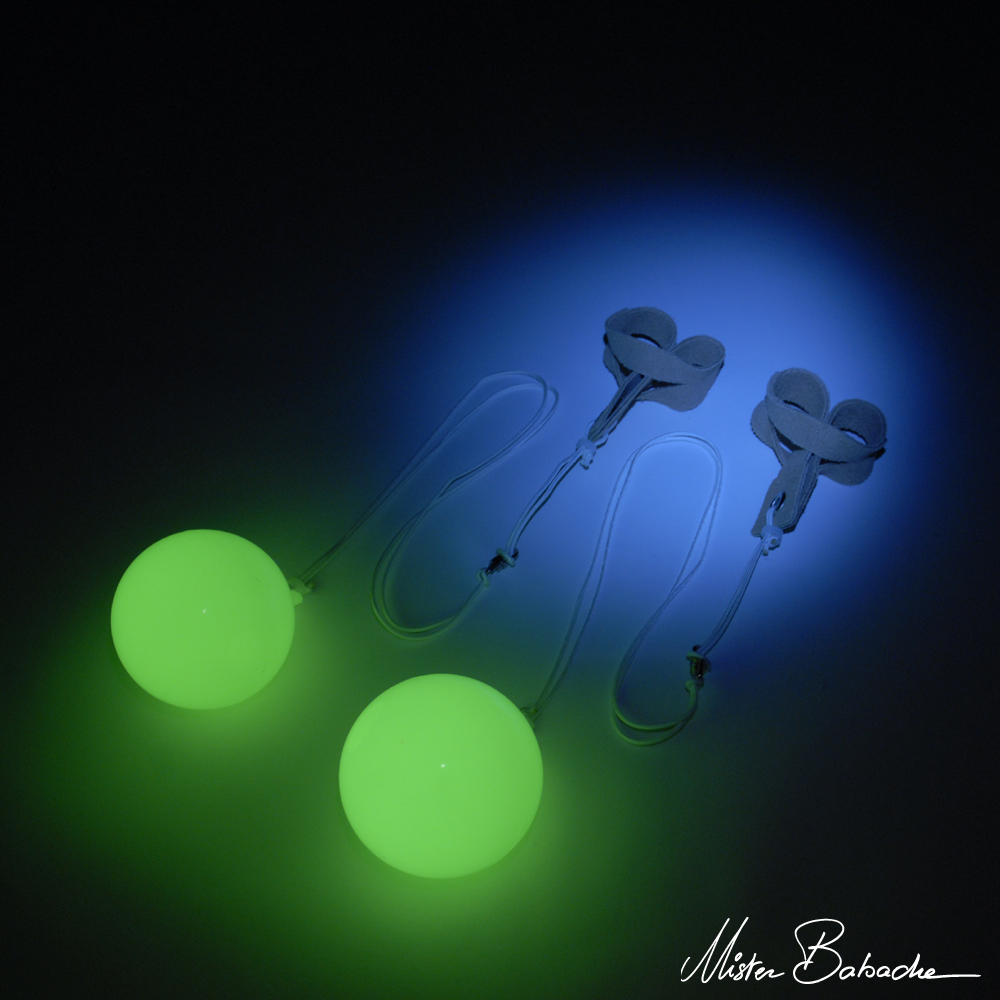 Comet POI Moon (complete - pair) -  glow in the dark